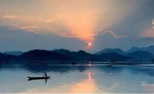 张智华散文《童年,在清江河畔》